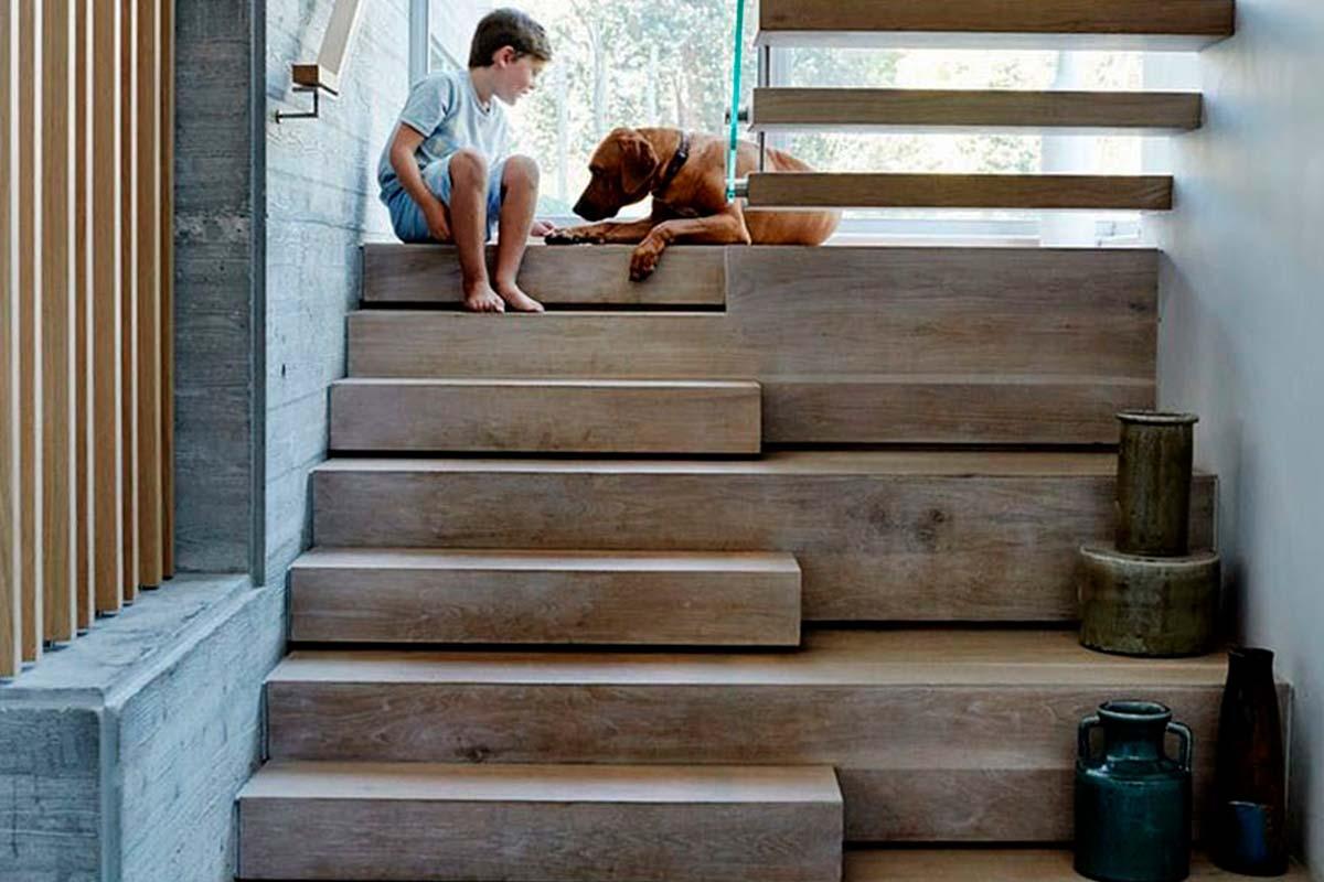 Лестницы из дерева на заказ в Рязани