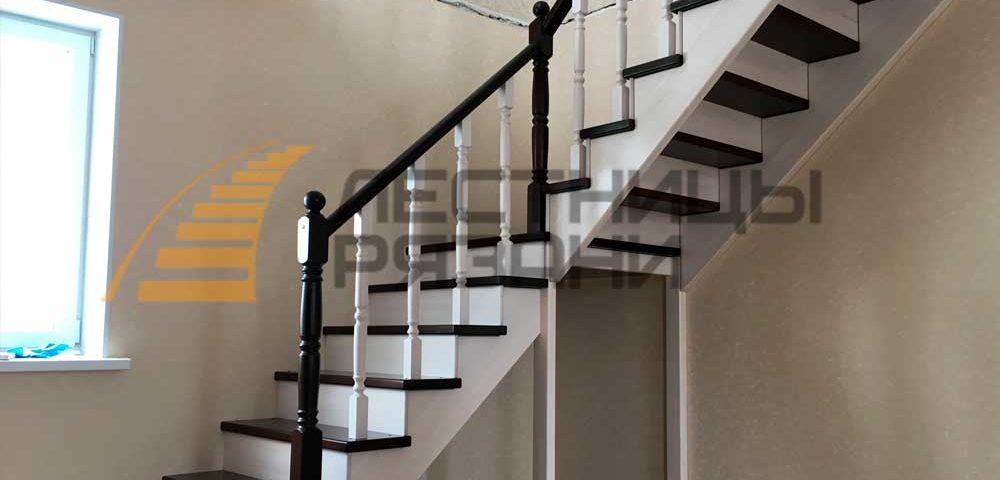 Цены на лестницы в Рязани. От чего зависит цена на деревянную лестницу?